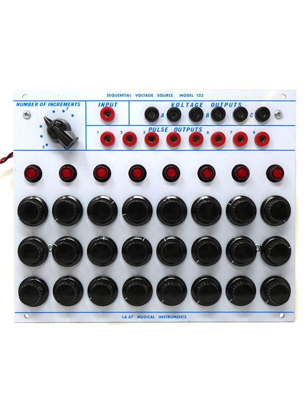 123 - Sequential Voltage Source | La Sesenta y Siete LA 67